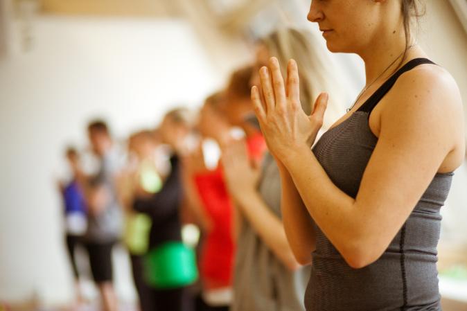 2014 HEALTHY LIVING - Yoga 4 small