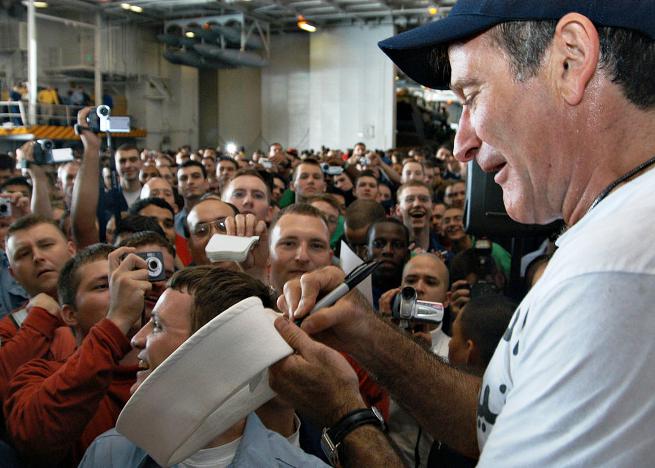 Robin Williams sign autograph USO SMALL