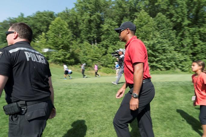 2016 - Quicken Loan Tournament - Tiger Woods - Medium