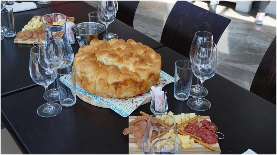 BMO - Bulgaria Wine - Art - Article 8 - Photo 2 Collage