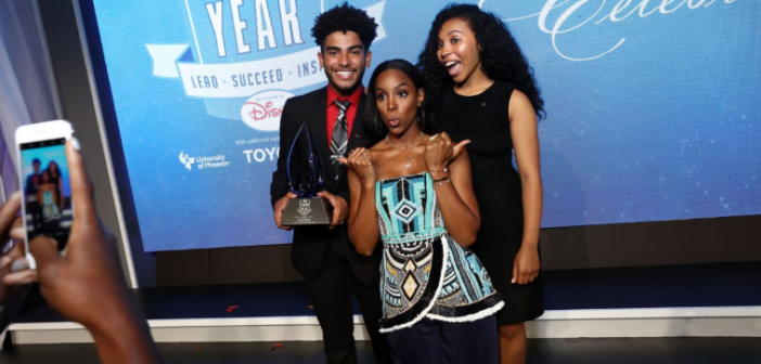 METROLINK – (VIDEO) Nick Cannon, Kelly Rowland shine at Boys and Girls Club of America's Youth of the Year Awards